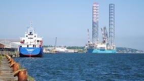 杰克石油钻井船具在维护的造船厂在邓迪 股票录像