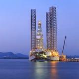 杰克石油钻井船具在维护的造船厂 免版税图库摄影