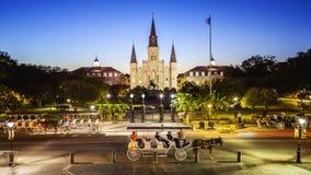 杰克逊广场在新奥尔良,路易斯安那法国街区在晚上 免版税图库摄影