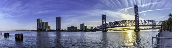 杰克逊维尔FL,主要ST桥梁街市 库存图片