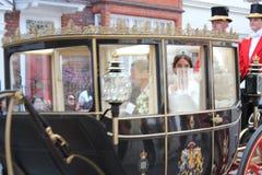 杰克Brooksbank温莎,英国- 12/10/2018公主Eugenie & :Eugenie公主&杰克Brooksbank婚礼通过队伍游行 免版税库存照片
