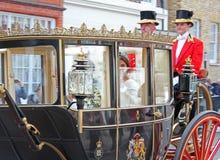 杰克Brooksbank温莎,英国- 12/10/2018公主Eugenie & :Eugenie公主&杰克Brooksbank婚礼通过队伍游行 免版税图库摄影