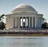 杰斐逊纪念品游人 免版税库存照片