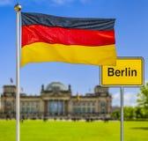 杰曼旗子在柏林 库存例证