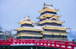 松本城乌鸦城堡在那古野市,日本 城堡 免版税库存照片