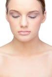 轻松白肤金发模型佩带自然组成 图库摄影