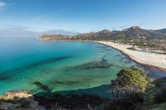 绿松石地中海在Ostriconi海滩在可西嘉岛 库存照片