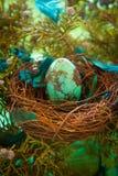 绿松石复活节彩蛋 免版税库存图片