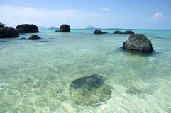 绿松石海和蓝天 库存照片