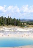 绿松石水池,黄石 库存照片