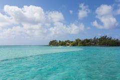 绿松石水的印度洋 库存照片