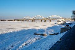 松花江和铁路伟大的桥梁 免版税库存照片