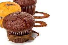 松饼用可可粉和巧克力 免版税库存照片