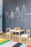 黑板墙壁在儿童居室 库存照片