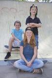 滑板孩子 免版税库存照片