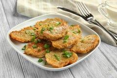 板材用光明节的鲜美土豆薄烤饼