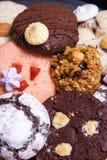 板材用曲奇饼和姜饼特写镜头 图库摄影