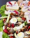 板材用鸡蛋、蘑菇和肉 库存照片
