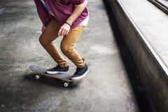 滑板极端体育溜冰者公园消遣活动Conce 免版税库存照片