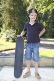 滑板男孩 免版税库存照片
