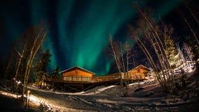 极光在耶洛奈夫加拿大 图库摄影