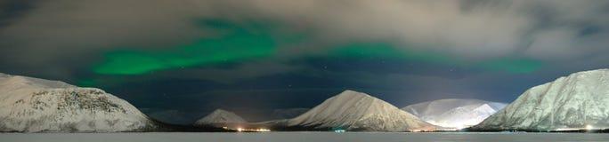 极光覆盖北极星 免版税库存照片