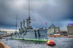 极光-线性巡洋舰, 10月革命的标志在俄罗斯,圣彼德堡 免版税库存图片