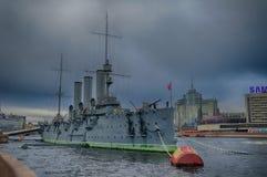 极光-线性巡洋舰, 10月革命的标志在俄罗斯,圣彼德堡 免版税库存照片