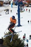 极其飞行滑雪者 免版税库存照片
