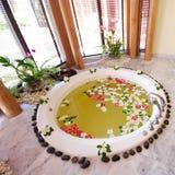 极可意浴缸在温泉屋子泰国里 库存照片