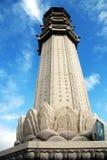 极大的海南nanshan柱子萨尼亚寺庙 免版税库存图片