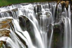 极大的瀑布 库存图片