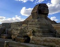 极大的狮身人面象 埃及狮身人面象 世界的第七奇迹 古老巨石 免版税库存图片