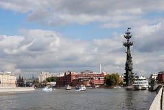 极大的纪念碑莫斯科彼得 库存照片