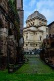 极大的罗马犹太教堂 图库摄影
