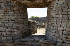极大的津巴布韦废墟 免版税库存图片