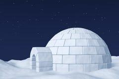 极性雪原的园屋顶的小屋冰室在与星的夜空下 免版税库存照片
