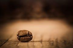 极端接近的咖啡豆 免版税库存照片