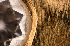 极端放大-金刚石金黄圆环细节 免版税库存图片
