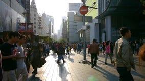 极端繁忙的南京路,步行购物中心,上海,中国 股票录像
