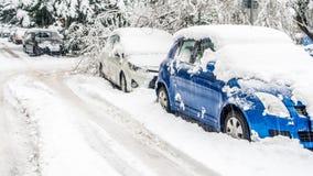 极端降雪在欧洲城市 库存照片