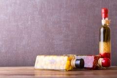构成刺激泡菜 用卤汁泡的食物 库存图片