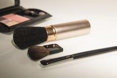 构成和化妆用品的刷子 图库摄影