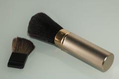 构成和化妆用品的刷子 免版税图库摄影
