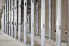 构成在商业空间的金属螺柱 免版税图库摄影
