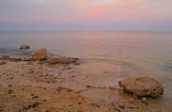 构成本质岩石海运日落 红海,埃及 免版税库存图片