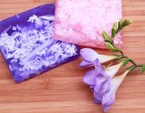 构成淡紫色桃红色肥皂温泉 库存图片