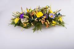 构成由人造花、果子、蝴蝶、麦子的鸟和耳朵制成 库存图片