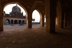 构成的Ibrahim Roza Rauza Mausoleam曲拱 图库摄影