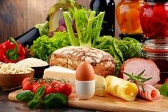 构成以有机食品产品品种  免版税库存图片